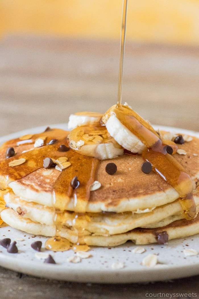 banana chocolate chip pancakes with oatmeal dairy free