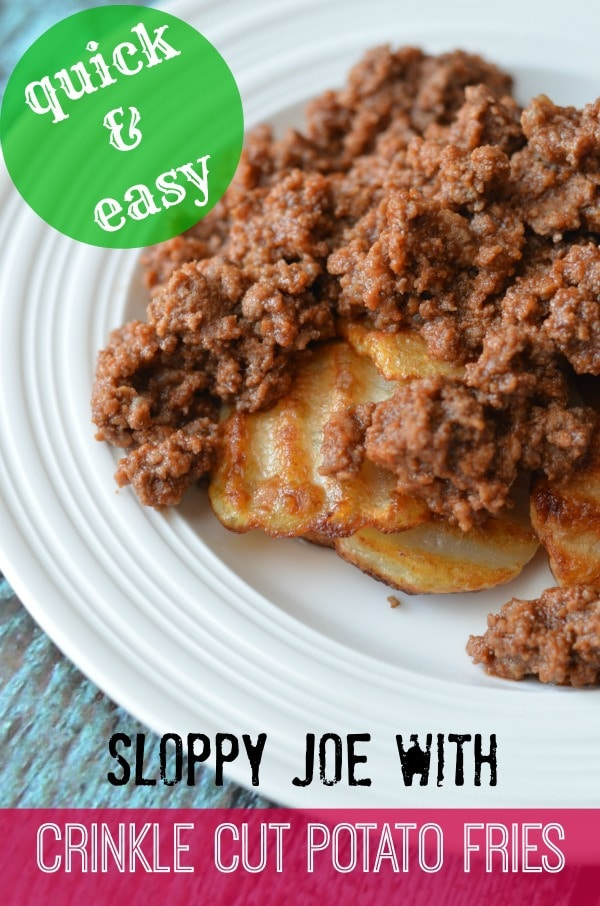 sloppy joe with crinkle cut potato fries