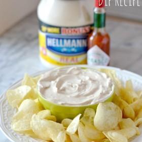 Creamy Chipotle Onion Dip Recipe & In Store Demo #TabascoHellmanns