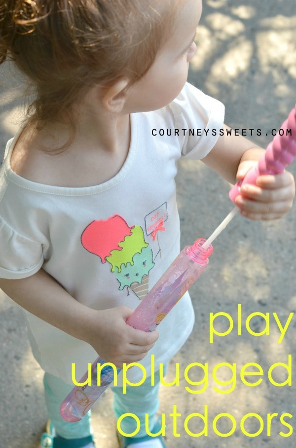 Play Unplugged Outdoors