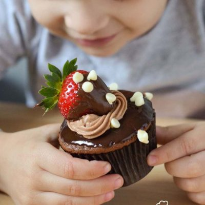 How to Make Chocolate Covered Strawberries - Super easy recipe for kids! Mini Chef Mondays