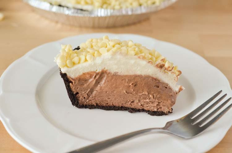 layered chocolate mousse pie