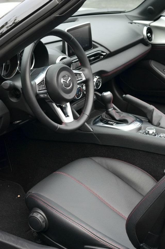 2016 Mazda MX-5 Miata Grand Touring front seat