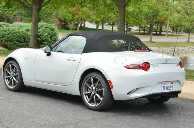 2016 Mazda MX-5 Miata Grand Touring rear top up