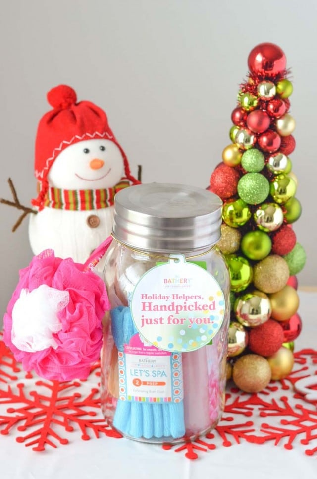 DIY Bath Body Gifting - perfect holiday season gift that's easy to make and affordable!