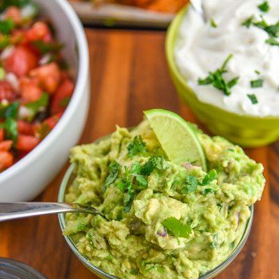 Mini Chef Mondays Fresh Guacamole Recipe - This is a great guacamole dip that is kid friendly, but still an authentic guacamole recipe.