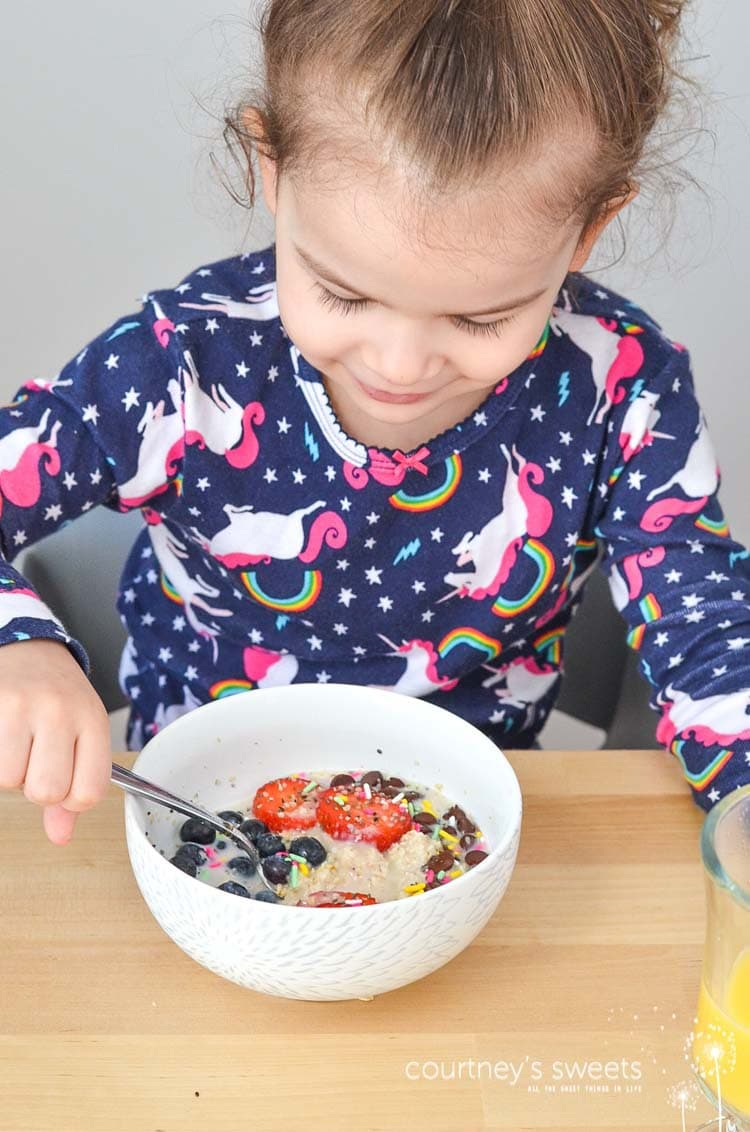 Best Oatmeal Recipe for Kids, Healthy Fun and Delicious Turn Frowns Into Smiles by making breakfast fun with foods your child loves! Sprinkles, chocolate, berries, the options are endless!
