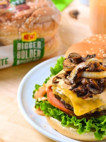 Our Best Cheeseburger Recipe! You know what makes this the best cheeseburger recipe? The toppings, the burger and the bun. It all equals the perfect combination! Make this for your next backyard bbq party and your guests will be begging for the recipe!