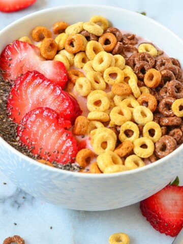 Breakfast Bowl Recipe | Strawberry Banana Smoothie with Cheerios™ Refreshing Summer Breakfast for on the go or at home!