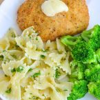 A delicious meal for the whole family to enjoy. Cook this entire meal in less than 40 minutes. Bowties Parmesan Garlic Butter Sauce with Barber Foods Chicken Cordon Bleu. Perfect for parties and entertaining.