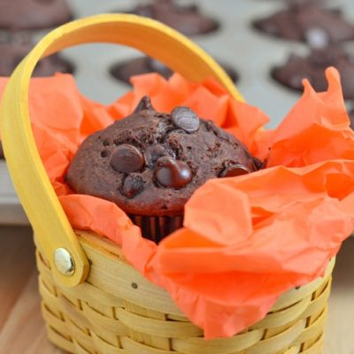 Double Chocolate Chip Muffins made a little healthier! The healthy recipe swaps are less fat, less sugar, but not less flavor. :) While you wait for your delicious muffin recipe to bake, your mini chef can enjoy playing in the Step2 Grand Luxe Kitchen!