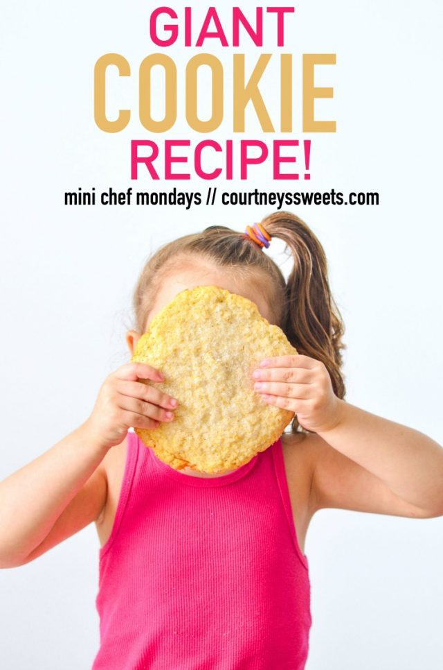 How amazing is this Giant Cookie Recipe? Just enough for one large cookie, or if you'd like you could easily make it into 3-4 regular sized cookies. It's soft and chewy, everything you want in a sugar cookie! Perfect for the holiday baking season - get the recipe now on Mini Chef Mondays.