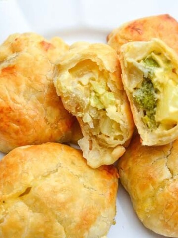 Vegetarian Broccoli Cheese Potato Mini Pies are perfect for holiday entertaining. Easy to make kid friendly recipe.