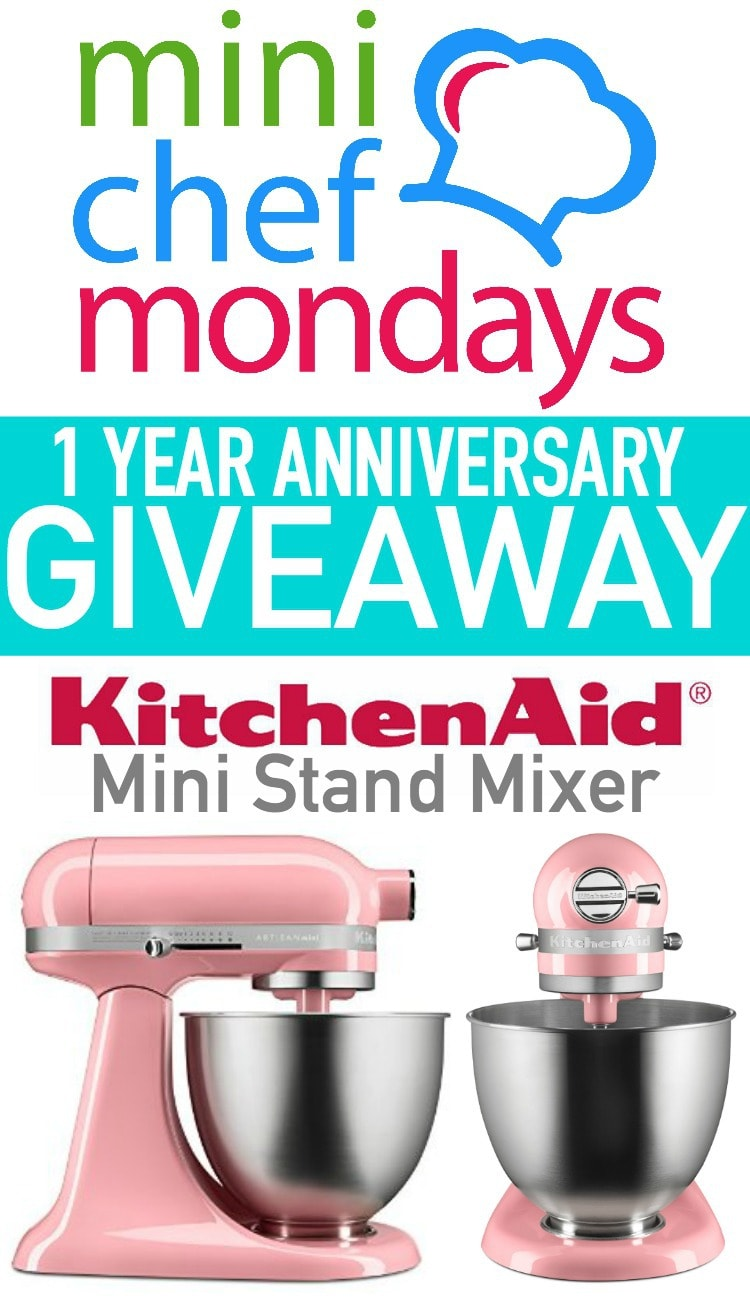 15 Kid Friendly Desserts made on Mini Chef Mondays! These are easy recipes kids can make with just a little help from adults or siblings in the kitchen. + Mini Chef Mondays Giveaway Mini Kitchenaid Stand Mixer