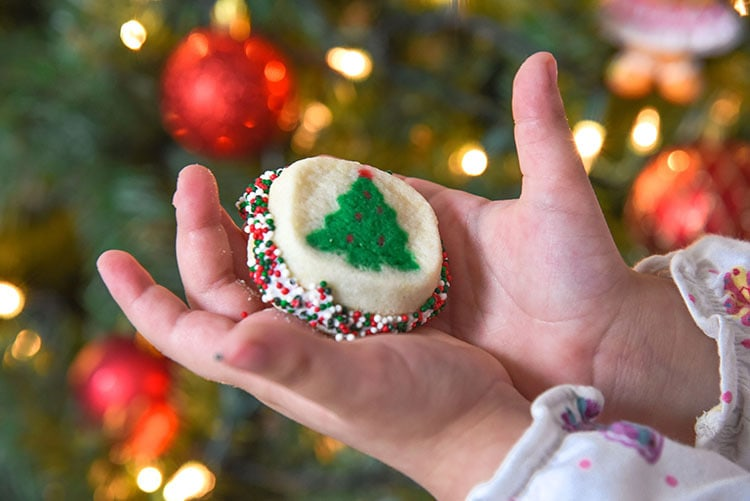 Looking for Easy Cookies To Make With Kids? These cookies are so easy that kids can basically this simple recipe with just a little bit of help this holiday season!