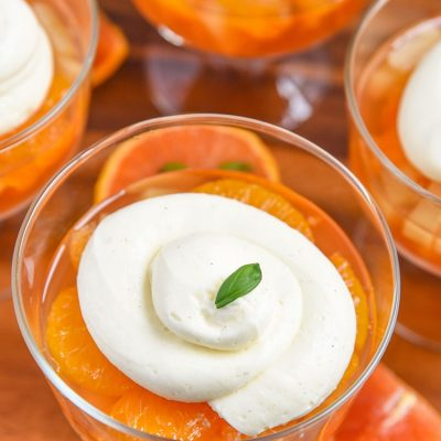 Quick easy Mandarin Orange Jello Salad Recipe. Simple gelatin dessert for summer parties! Kid Friendly Recipe on Mini Chef Mondays, Jello salad with pudding.