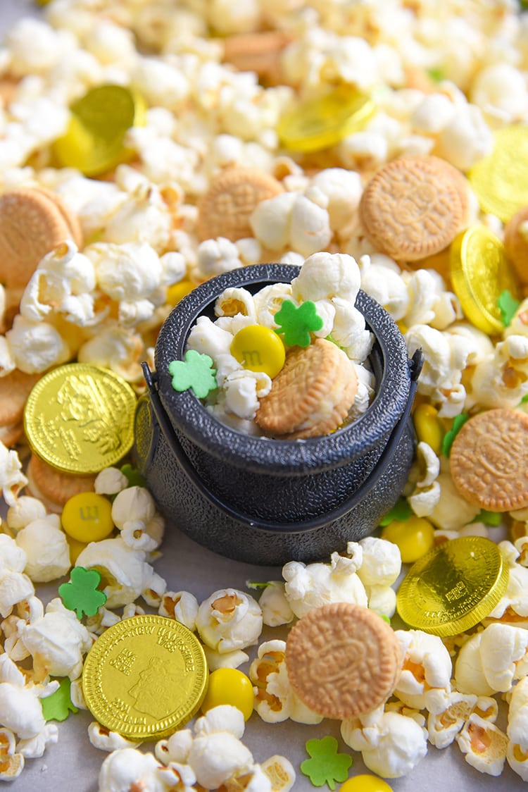 St Patrick's Day Snack Mix St Patrick's day snacks for kids st patricks day food leprechaun trap for kids Mini Chef Mondays cooking with kids