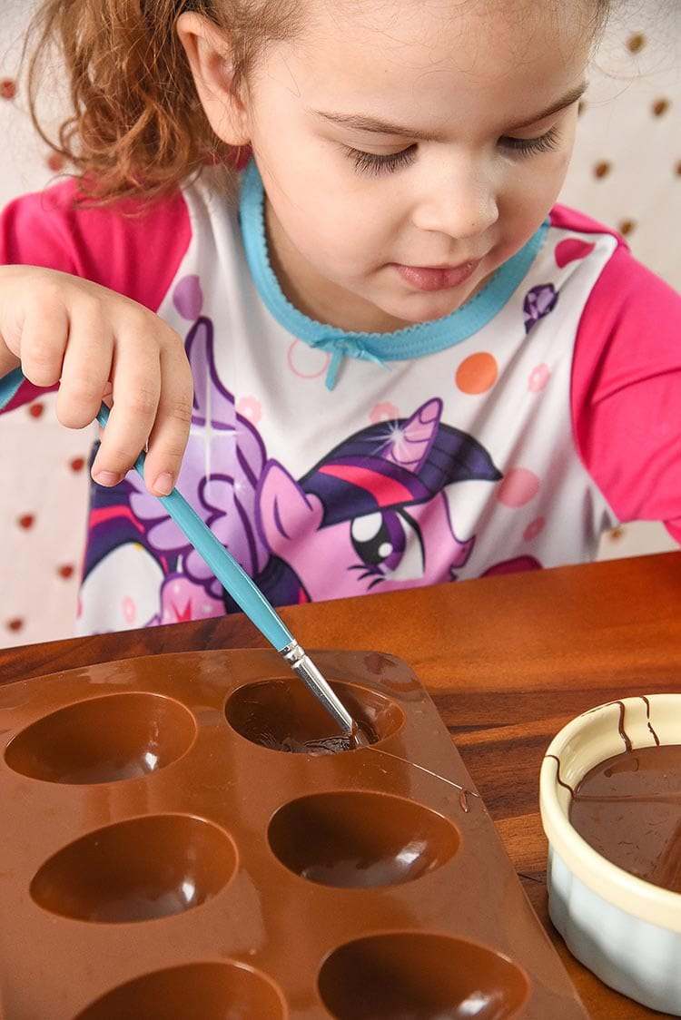 Kid Friendly Recipe Easter Egg Ice Cream Chocolate Bowls are so much fun for kids to not only make but to eat too! Edible Chocolate Cups DIY Dessert Recipe. Making!