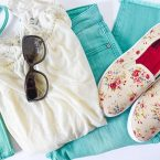 Cute Spring Outfit Ideas and Spring Outfit Ideas on a budget. Spring Outfits Women will love style finds that are great for moms on the go.