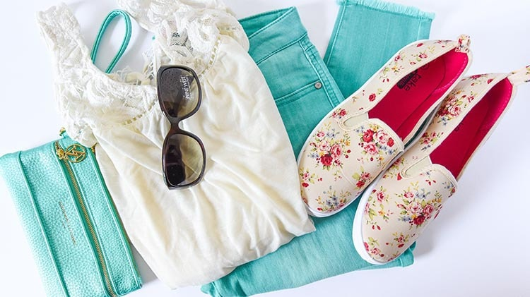 Cute Spring Outfit Ideas - Looking for Spring Outfit Ideas on a Budget? We partnered with Boscov's to bring you a few spring style finds that are great for moms on the go. Spring Outfits Women will love!