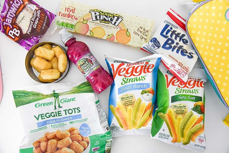 Looking for fun back to school snacks for your kids? Here's a few of our old favorites and new ones too! flatlay