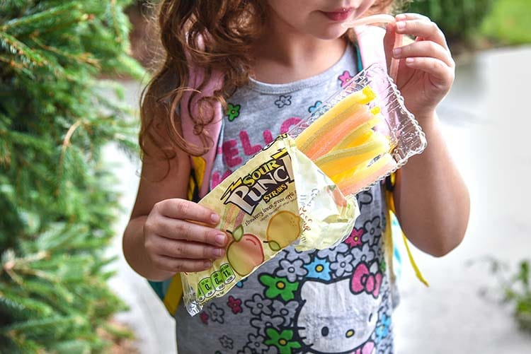 Looking for fun back to school snacks for your kids? Here's a few of our old favorites and new ones too! treat