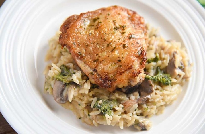 Garlic Chicken Thighs with White Cheddar Broccoli Mushroom Rice
