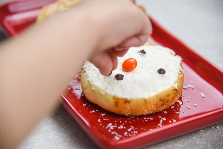 Making English Muffin Snowman