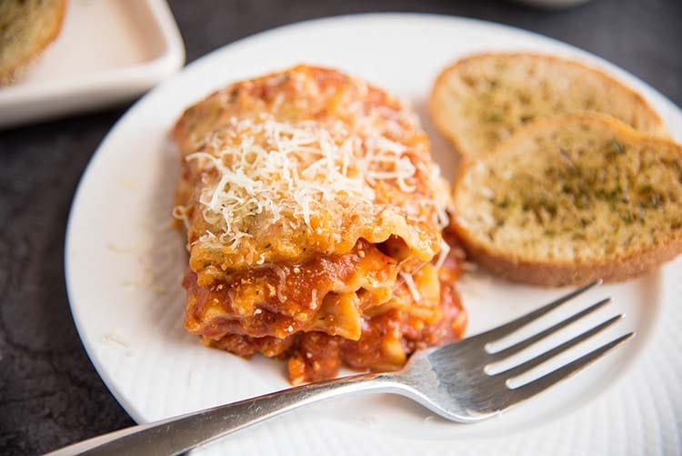 garlic bread toast with lasagna dinner