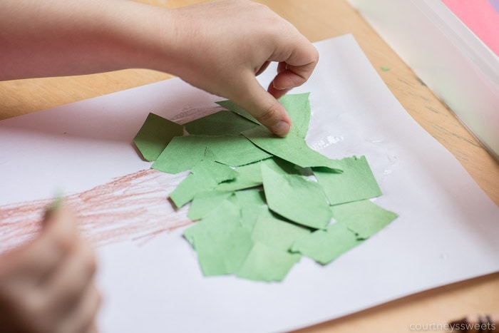 making a tree craft for preschoolers