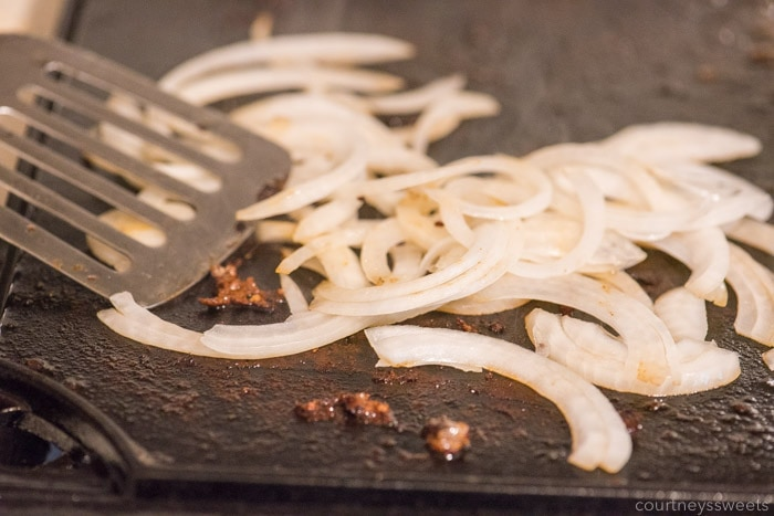 burger caramelized onions for cheeseburger sliders