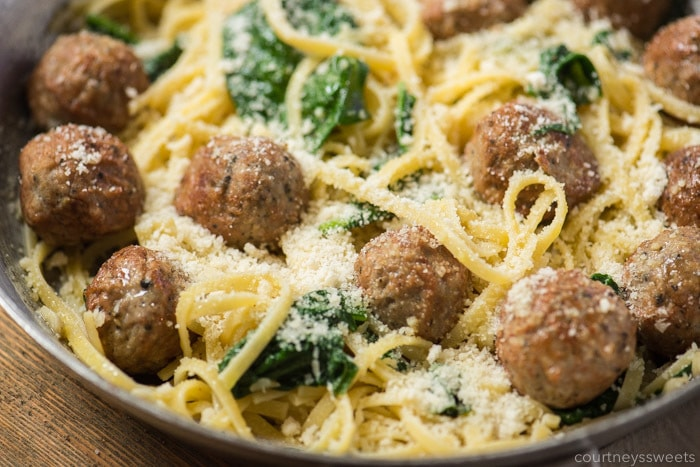 garlic and olive oil pasta recipe with meatballs and spinach