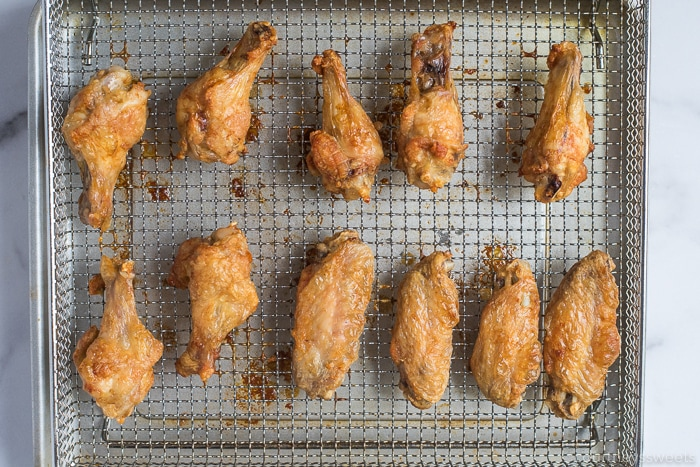 air fryer chicken wings on rack