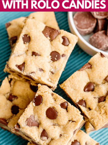 chocolate chip cookie bars with rolos for a quick and easy dessert in just 30 minutes