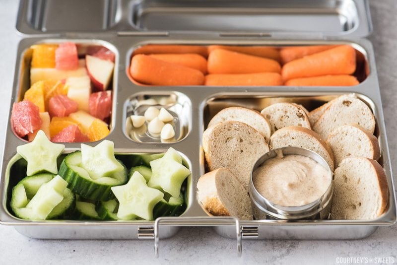kids lunch with bagels fruits and veggies