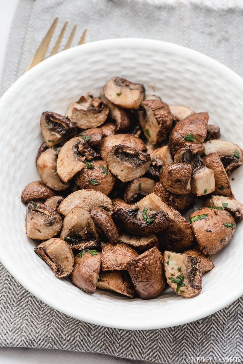 air fryer mushrooms with balsamic vinegar in a bowl